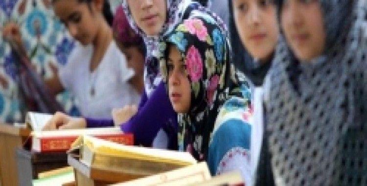 'Çocuklarımızı Kur'an'la buluşturalım'