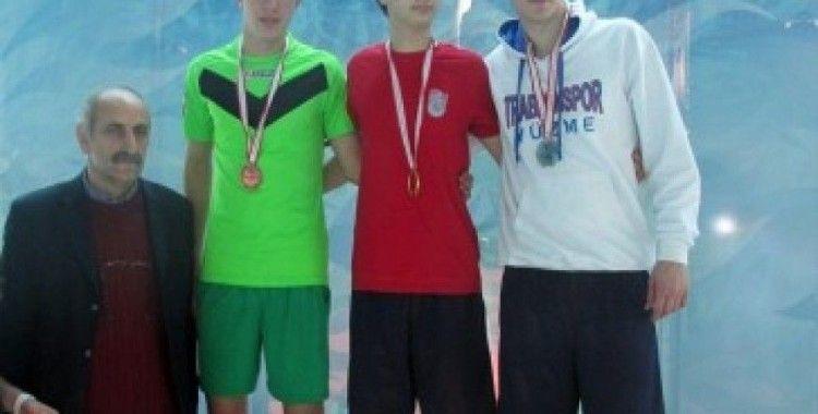 Okul sporları yüzme il birinciliği yapıldı