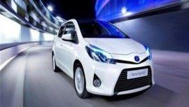 Toyota, yeni hibrit otomobilini tanıttı