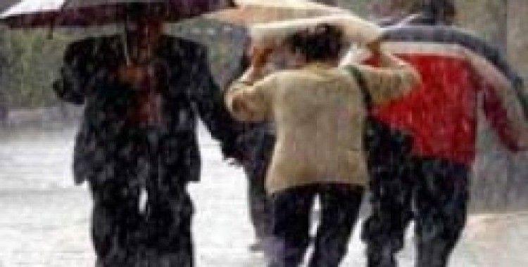 İstanbul'da sağanak yağış yeniden başladı