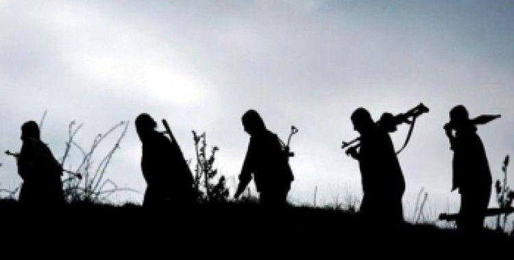 2 terörist silahsız teslim oldu
