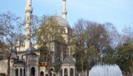 Nasıl Eyüp Sultan Camii'ne giderim ?