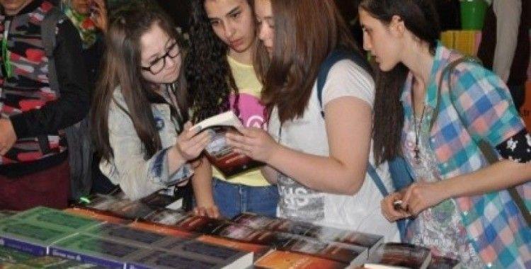 İzmir Kitap Fuarı 20. kez kapılarını açtı