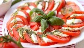 Caprese salatası tarifi