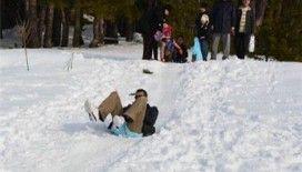 Rüyada karda kaymak