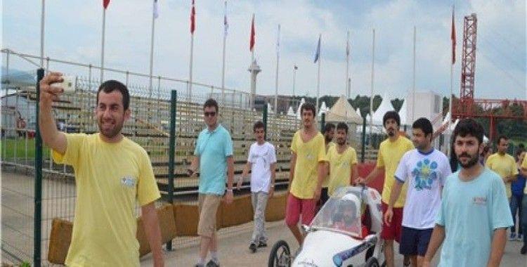 UÜ'lü öğrencilere alternatif enerjiyle çalışan en iyi otomobil tasarım ödülü