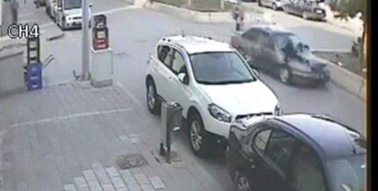 Otomobil bisikletli çocuğa böyle çarptı