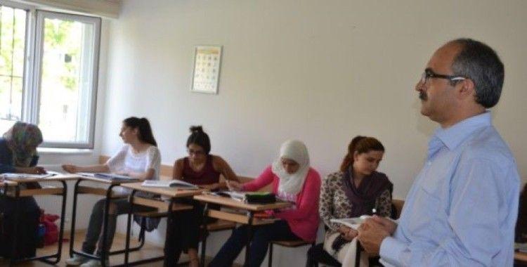OHAL'de Türkçe'ye devam'