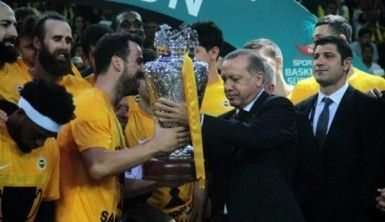 Dev kupa Fenerbahçe'nin