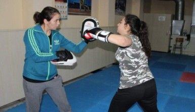 Hobi olarak başladı milli boksör oldu