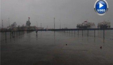 İstanbul'da fırtına hayatı olumsuz etkiliyor