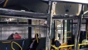 Servis aracı metrobüse çarptı, yaralılar var