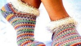 Tüylü çorap modasına evet mi?