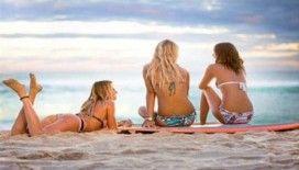 En cool görünümde plajlardaki ıslak saç modası