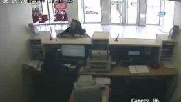 Ölü hesaplar'a dublörlü soygun yapan şebeke kamerada