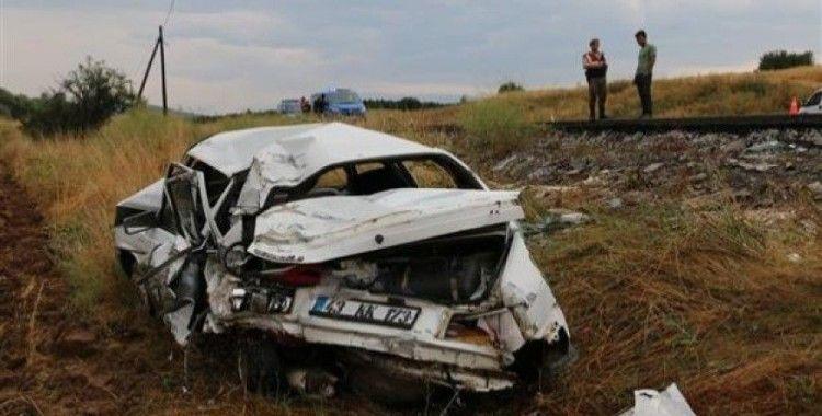 Kütahya'da otomobil ile tır çarpıştı, 1 ölü, 4 yaralı