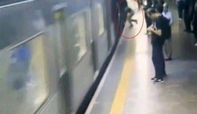 Trenin önüne itildi !