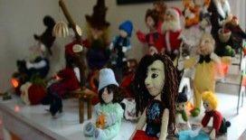 Çocukları için yaptığı oyuncak bebekler geçim kaynağı oldu
