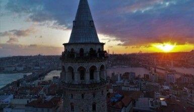 Galata Kulesi gün batımında havadan görüntülendi