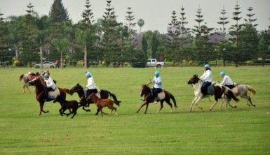 Yörük Türkmenler cirit attı, gökbörü oynadı