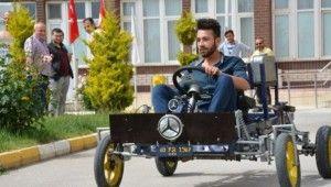 Öğrenciler hurdalardan otomobil yaptı