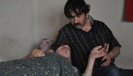 Baba-oğulun yaşam mücadelesi yürekleri dağlıyor
