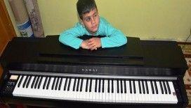 'Kusursuz kulak'ın piyano hayali gerçek oldu