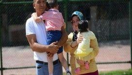 'Beni bırakmayın' diyen Berat ile 6 aylık Berra'nın ailesi oldular