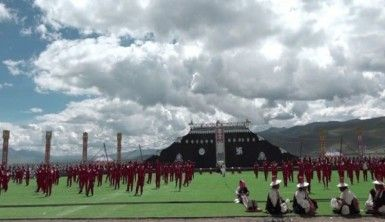 Dragjiren At Yarışı Festivali Tibet'te başladı