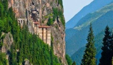 Doğu Karadeniz'in turizm gözdesi Sümela