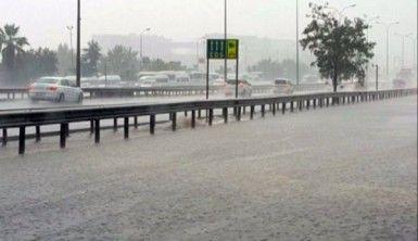 Anadolu Yakası'nda şiddetli yağmur