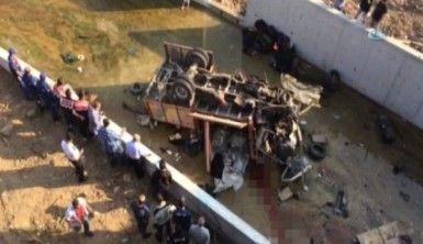 İzmir'de katliam gibi kaza, 19 ölü
