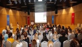 Küçükçekmece'de Belediye Personeline 'Meme Kanser' semineri