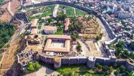 Diyarbakır'ın kalbi'nde su kanalı ve tünel bulundu