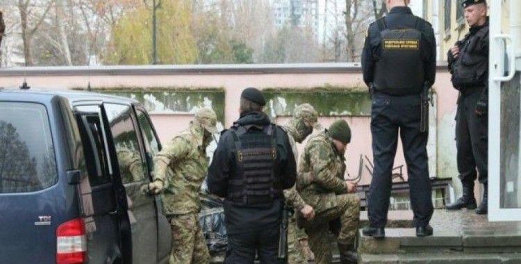 Rusya gözaltındaki Ukrayna askerini tutuklamaya devam ediyor