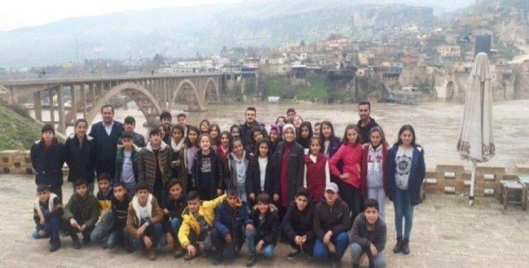 Hakkarili öğrenciler Güneydoğu'yu gezdi