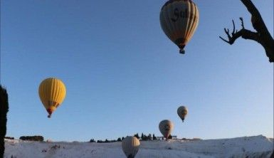 Pamukkale'de balon turlarına yoğun ilgi