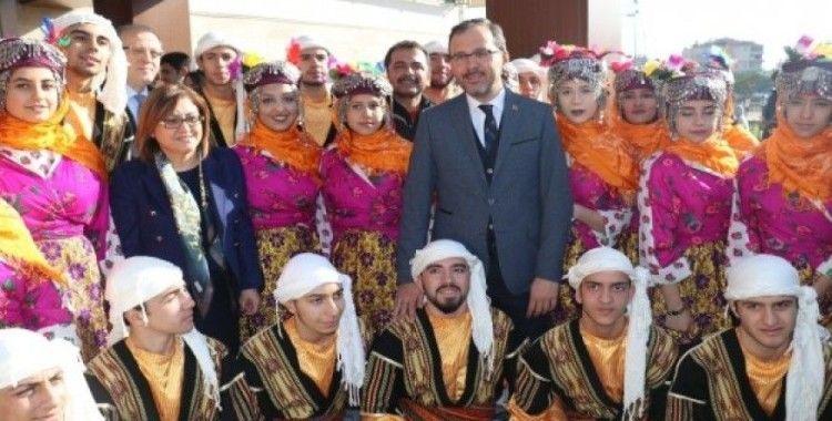 """Gençlik ve Spor Bakanı Kasapoğlu: """"Türkiye sportif tesisleşmede devrim yaptı"""""""