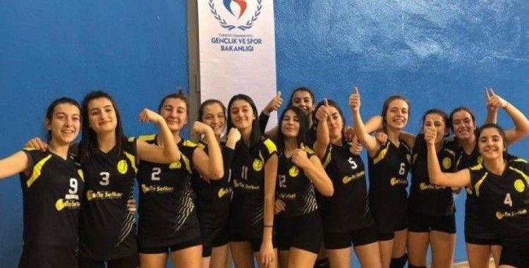 Voleybol gençlerin şampiyonu Çankırı Lisesi