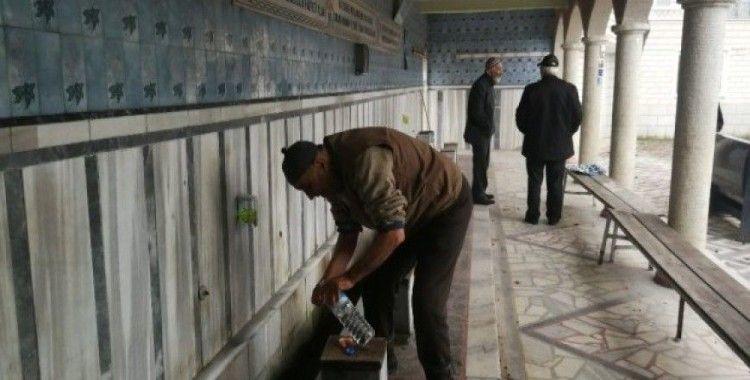Hırsızlar, cemaati susuz bıraktı