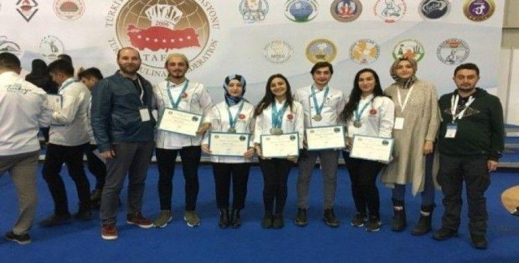 Nevşehir Hacı Bektaş Veli Üniversitesi öğrencileri 6 gümüş 1 bronz madalya kazandı