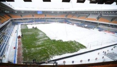 Fatih Terim Stadyumunda kar mesaisi