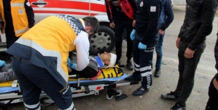 Konya'da işçi servisi ile kamyon çarpıştı, 10 yaralı