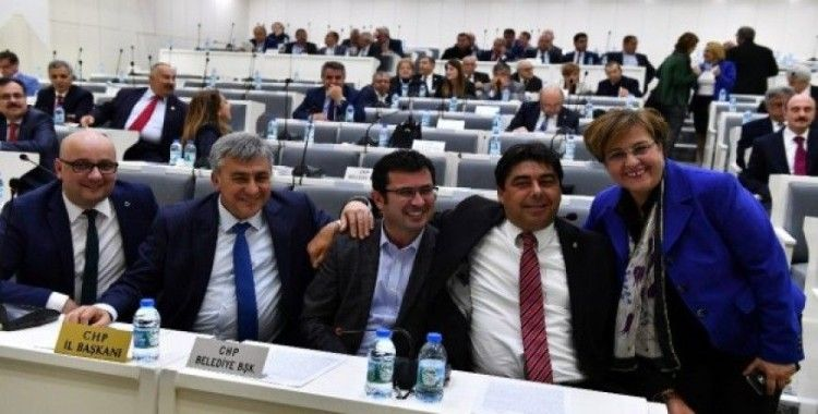 Mecliste duygusal veda