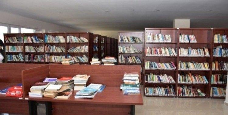 Başkan Alıcık Kütüphane Haftası'nı kutladı