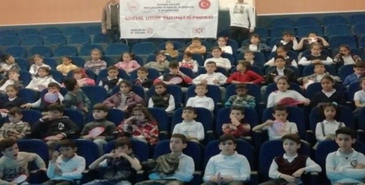 Dezavantajlı 150 çocuk sinema izledi