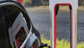 Tesla Model 3 Avrupa'da satış rekoru kırdı