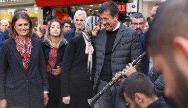 Zeybekci'den sokak konseri