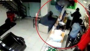 Esnafın kabusu olan bıçaklı gaspçılar yakalandı