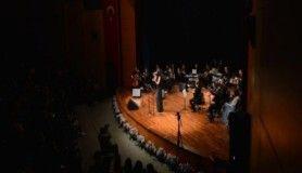 Sakarya Üniversitesi'nde Türk halk müziği konseri